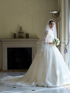 ベール【トゥー・レ・ドゥー】ウェディングドレス東京銀座・横浜 Wedding Boots, Wedding Veils, Summer Wedding, Dream Wedding, Beautiful Wedding Gowns, Modest Wedding Dresses, Bridal Beauty, Dream Dress, Bridal Gowns