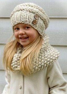Вязаные шапки для девочек (91 фото): для подростков 12-14 лет и новорожденной девочки с ушками, теплая шапка-ушанка