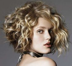 Best Haircut for Round Faces and Curly Hair