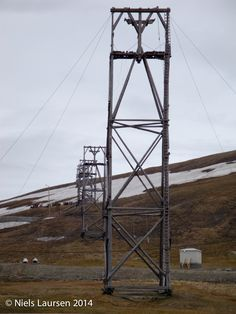 Infinite line of towers for the coal cableway