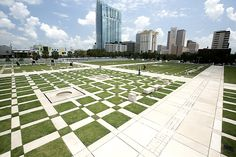 """Kiley Garden / NCNB Plaza in Tampa. nation's first """"rooftop park"""""""