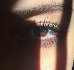 Dreamy Photography, Eye Photography, Tumblr Photography, Girl Photography Poses, Pretty Eyes, Cool Eyes, Beautiful Eyes, Eye Pictures, Cool Girl Pictures