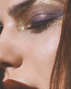 60 Best Indian Bridal Makeup Tips - Make Up 70s Makeup, Runway Makeup, Makeup Inspo, Makeup Inspiration, Hair Makeup, Makeup Ideas, Party Makeup, 70s Disco Makeup, Glam Rock Makeup