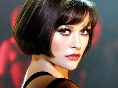 Catherine Zeta-Jones as Velma in Chicago. Gorgeous dark, bob.