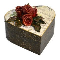 The infinite beauty of a rose is priceless! ( Frumusețea infinită a unui tr& Love Letters, Decoupage, Decorative Boxes, Clay, Lettering, Beauty, Vintage, Home Decor, Clays