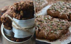 Ryebread buns with dark chocolate.....recipe in Danish