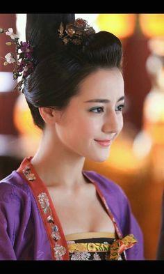 Uyghur actress Dilraba Dilmurat
