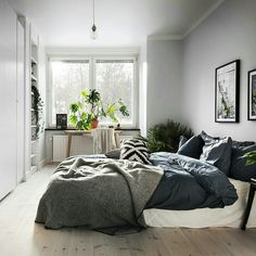 14 Fabulous Rustic Chic Bedroom Design and Decor Ideas to Make Your Space Special - The Trending House Home Decor Bedroom, Scandinavian Design Bedroom, Bedroom Decor, Home, Interior, Bedroom Inspirations, Bedroom Styles, Modern Bedroom, Home Decor