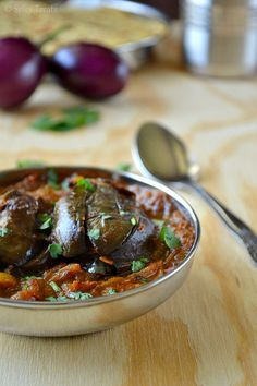 Spicy Treats: Stuffed Brinjal Curry / Spices Stuffed Brinjal in Tamarind Curry