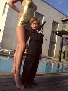 James Bond 22 Amazing Kids' Halloween Costumes That They're Too Young To Understand Costume Halloween, Amazing Halloween Costumes, Mardi Gras Costumes, Halloween Kids, Halloween Makeup, Happy Halloween, James Bond, Naughty Kids, Kids Dress Up