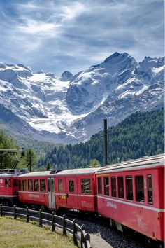 32 Best Day Trips from Milan - Alps, Seaside, Lakes . Things To Do In Italy, Swiss Alps, Genoa, Cinque Terre, Good Day, Day Trips, Seaside, New Experience, Milan