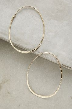 This set is so sweet, delicate, and unique. The double pebble ring and pebble studs compliment each other perfectly and both pieces are striking on their own as well. This set includes: 1 x Metal Jewelry, Jewelry Sets, Jewelry Accessories, Fine Jewelry, Plus Size Fashion For Women, Fashion Tips For Women, Gold Hoop Earrings, Women's Earrings, Anthropologie Jewelry