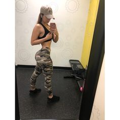 """@badgirlsteph_ on Instagram: """"8am workout done ✔️"""" Challenges, Workout Outfits, Selfie, Fitness, Pants, Goals, Instagram, Fashion, Shopping"""
