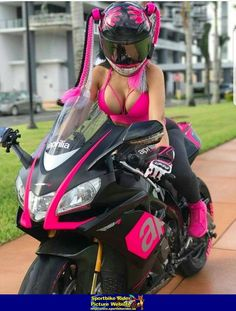 Women- Aprilia Sportbike - Aprilia - ID: 671085 Dirt Bike Girl, Womens Motorcycle Helmets, Motorcycle Bike, Lady Biker, Biker Girl, Biker Chick Outfit, Motard Sexy, Chicks On Bikes, Motorbike Girl