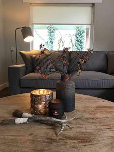 30 ιδέες για να διακοσμήσετε το τραπεζάκι του σαλονιού και να εντυπωσιάσετε τους καλεσμένους σας Home Decor Styles, Cheap Home Decor, New Living Room, Living Room Decor, Interior Design Living Room, Living Room Designs, First Apartment Decorating, Lounge Decor, Home Decor Inspiration