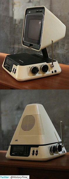 JVC collapsable Television & Am/FM Radio - Never had one, but this is retro cool tech. Radios, Design Retro, Vintage Design, Hifi Video, Retro Industrial, Alter Computer, Poste Radio, Green Label, Old Computers