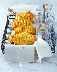 Apfeltaschen mit Marzipanfüllung - Köstliche Apfelkuchen - [LIVING AT HOME]