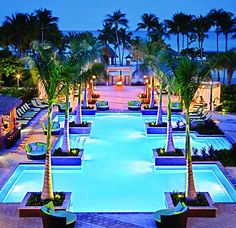 Adults-only pool at Aruba Marriott Resort & Stellaris Casino ... ohh lala!