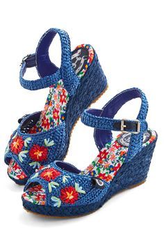 Cabana Band Wedge. With these blue woven wedges by Miss L Fire on your feet, you keep the beachy beat as the band plays behind you! #blue #modcloth