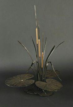 Designs In Iron :: Flowers Metal Projects, Metal Crafts, Metal Flowers, Metal Roses, Blacksmith Projects, Metal Garden Art, Steel Art, Metal Birds, Scrap Metal Art