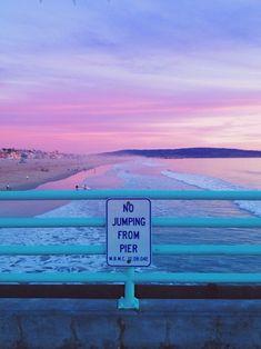 Imagem de beach, pink, and sea