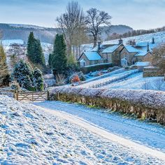 Good morning from the beautiful Village of Calton Lees on the Chatsworth Estate in the Peak District~ Photo: Phil Sproson Photography Visit: Let's Go Peak District England Ireland, England Uk, Chatsworth Estate, Sunday Photos, Peak District, Derbyshire, Pretty Pictures, United Kingdom, Mansions