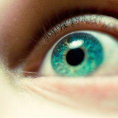 Macro photography. Prettiest eye ever.