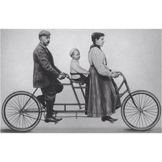 """Ignaz Schwinn and his family on a 1896 """"Family Tandem"""". Look at the child seat! Annie could have taken Max and Simon around on this! Tandem Bicycle, Old Bicycle, Old Bikes, Vintage Schwinn Bikes, Vintage Bikes, Cycling Art, Cycling Bikes, Cycling Quotes, Cycling Jerseys"""