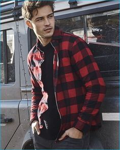 Men casual styles 165155511315644630 - Brazilian model Francisco Lachowski rocks a red and black buffalo check flannel shirt from Express. Source by thefashionisto Francisco Lachowski, Men's Fashion, Fashion Brand, Fashion Models, Winter Fashion, Rock Fashion, Chico Lachowski, Flannel Outfits, Flannel Shirts