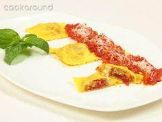 Ravioli alla parmigiana Ricette di Cookaround Melanzana, scamorza e pomodoro! Gnam!