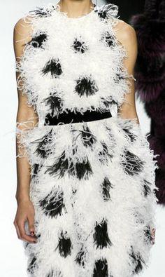 Bill Blass - Robe de Cocktail Mini - Plumes de Marabout Noir et Blanc - Années 90