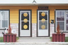 Yellow Door, Oil on Wood Panel (Photorealistic Paintings by Mike Bayne) - 2008