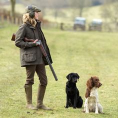 Now that the spring turkey-hunting season is nearly upon us, you should find the right shotgun. As turkey hunting has become increasingly popular, more and more manufacturers have developed shotguns that have more features. Countryside Fashion, British Countryside, Country Fashion, British Country Style, Country Wear, Big Country, Country Chic, Country Life, Country Living