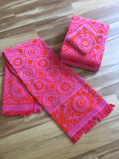 Psychedelic Orange Red And Purple Bath Towel Set Bath Towel - Fieldcrest towels for small bathroom ideas