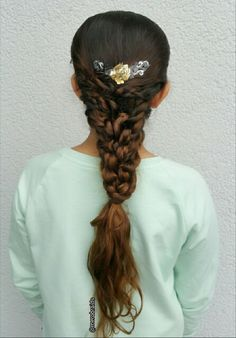 Chain Link Ribbon Fishtail Braid   Fourth Of July Hairstyles     Chain Link Ribbon Fishtail Braid   Fourth Of July Hairstyles   Pinterest    Fishtail braids and Fishtail