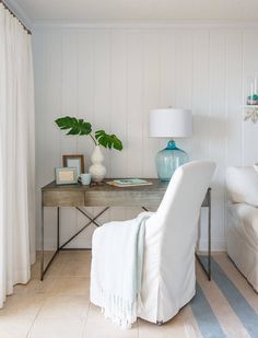 I'm feeling ocean breezes after touring this beautiful Jacksonville Beach, Florida condo renovated by Amanda Webster Design! The airy, light-filled home (photographed by Jessie Preza) has a r… Beach Cottage Style, Coastal Style, Beach House Decor, Coastal Decor, Boat Decor, Modern Coastal, Coastal Farmhouse, Beach Condo, Coastal Cottage