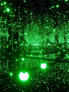 Yayoi Kusama @ Tate Modern 'Infinity Mirrored Room – Filled with the Brilliance of Life' green and dark Yayoi Kusama, World Of Color, Color Of Life, Neon Green, Green Colors, Bright Green, Orange Pastel, Photowall Ideas, Slytherin Aesthetic