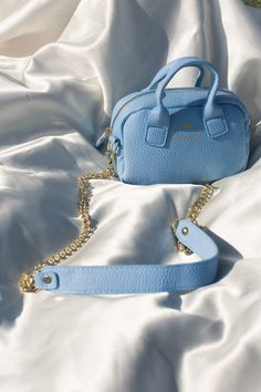 Blue Aesthetic Discover Blue Purses and Bags Light Blue Aesthetic, Blue Aesthetic Pastel, Aesthetic Colors, Aesthetic Vintage, Aesthetic Bags, Aesthetic Collage, Aesthetic Clothes, Color Palette For Home, Azul Vintage