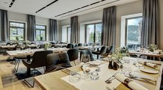 The Seehotel Bellevue offers luxurious relaxation right on the shores of Lake Zell in Traditionshaus. With wellness area and top restaurant Zell Am See, Top Restaurants, Hotel Offers, Relax, The Incredibles, Traditional, Luxury, Austria, Building