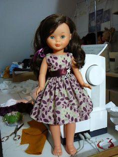 Vestido 16 euros … Más Ropa American Girl, American Girl Clothes, Sewing Doll Clothes, Sewing Dolls, Nancy Doll, 18 Inch Doll, Vintage Dolls, Girl Dolls, Girl Outfits