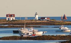 A drive past Goat Island light today looks even prettier than this amazing image by Bob Dennis!