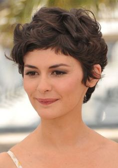 The best collection of Short Curly Pixie Haircuts latest and best short curly pixie hairstyles, short curly hairstyles 2018 Short Curly Pixie, Curly Pixie Hairstyles, Thick Curly Hair, Haircuts For Curly Hair, Curly Hair Cuts, Short Hairstyles For Women, Short Hair Cuts, Curly Hair Styles, Cool Hairstyles