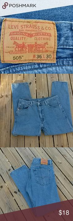 Levis 505 Men's jeans size 36x30 Classic Levis styling in these 505s. They are in great condition and ready for a comfortable and relaxed weekend. Levi's Jeans Straight