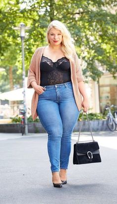 36 Look Sexy for Plus Size Women with Perfect Fall Outfits - Mode Frauen Curvy Girl Fashion, Look Fashion, Autumn Fashion, Fashion Outfits, Womens Fashion, Fashion Trends, Fashion Hacks, Fashion 2018, Fashion Details