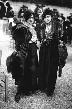 Two women elegantly show off the fashions of their era (right). 24 Vintage Pictures Of Paris Life In The 1920s
