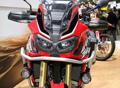 Custom 2016 Africa Twin CRF1000L Parts & Accessories Pictures!  Detailed 2016 Honda Africa Twin CRF1000L Review at www.HondaProKevin.com | Honda-Pro Kevin