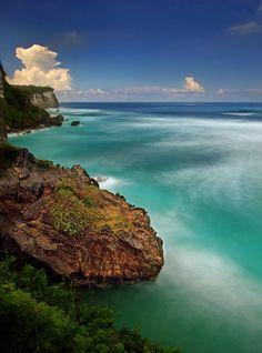 Uluwatu  Bali by Reinhard Latzke
