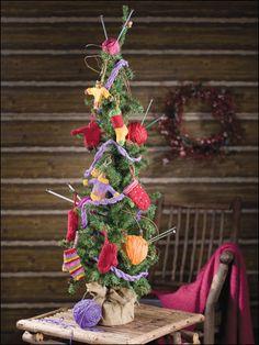 Knit - Mini-garments & Cabled Garland Christmas - Medium Worsted Weight [4] Yarn