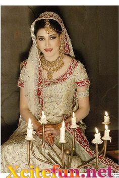 Indian Bridal Makeup With Stunning Jewelry And Dresses - Urdu Planet Forum -Pakistani Urdu Novels and Books| Urdu Poetry | Urdu Courses | Pakistani Recipes Forum