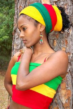 Rastafari Rules for Women - Rastafarianism & Jamaican Culture Bad Hair Day, Jamaican Women, Rasta Colors, Dancehall Reggae, Glam Hair, Halloween Disfraces, My Black Is Beautiful, Simply Beautiful, Beautiful People